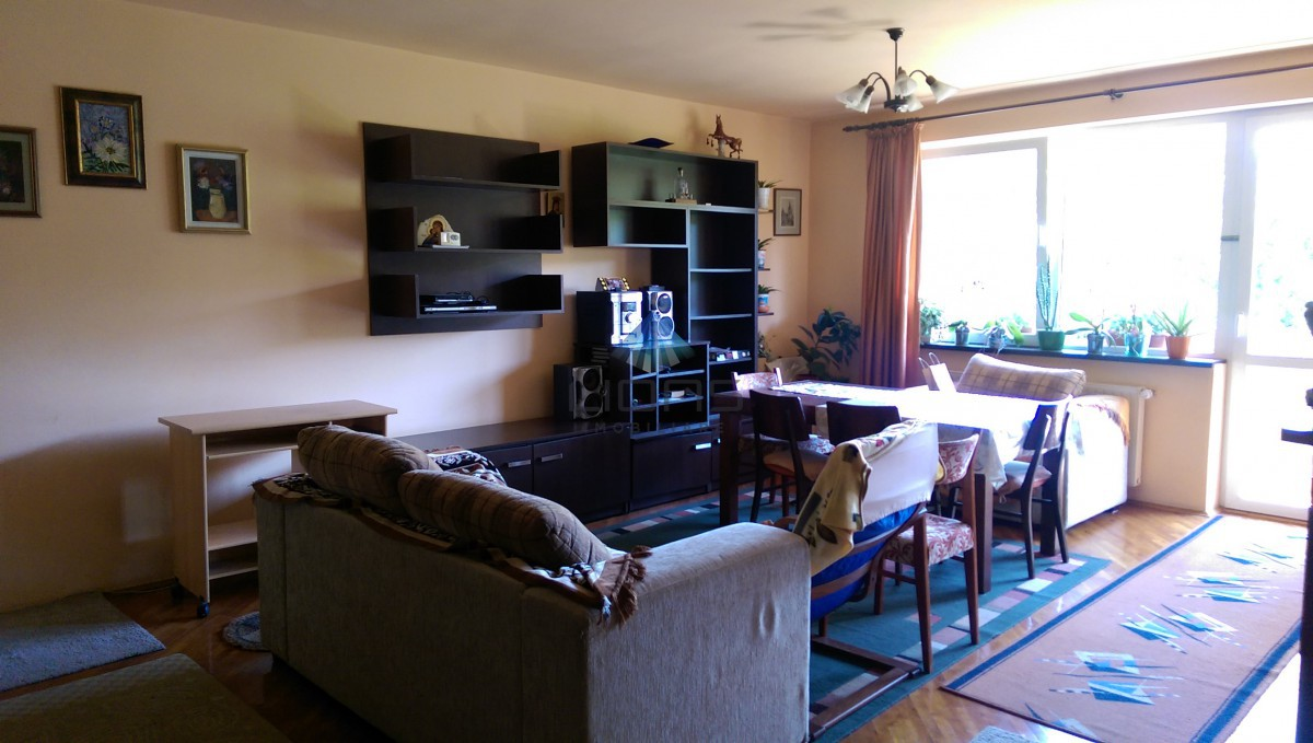 Apartament 3 camere de vanzare in Andrei Muresanu