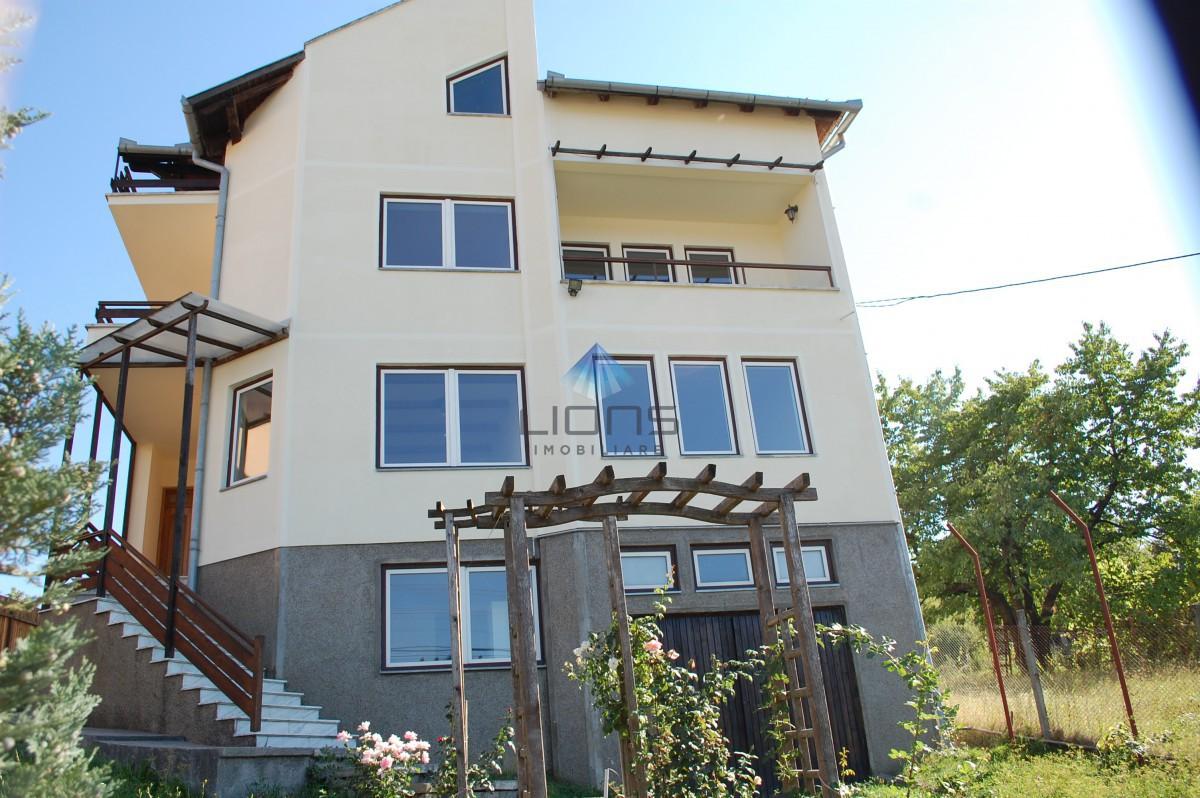 Vila 6 camere de vanzare in Gruia